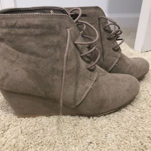 Women wedges Shoes/Boots